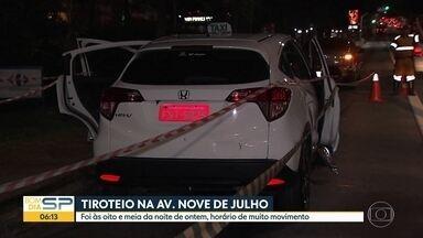 Tiroteio assusta pedestres na Av. 9 de Julho - Viatura da PM abordou táxi roubado perto da Rua Estados Unidos, na região central da capital.
