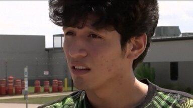 Adolescente americano fica quase um mês detido em abrigo para imigrantes ilegais - Autoridades não acreditaram que ele era cidadão americano.