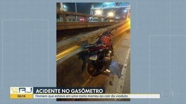 Motociclista morre depois de cair do viaduto do Gasômetro durante acidente - Pablo do Carmo, de 29 anos, estava na pista sentido Centro.