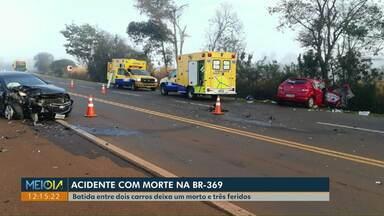 Idoso morre em acidente na BR-369, em Ubiratã - Homem de 79 anos era passageiro de um carro que invadiu a pista contrária da rodovia e bateu de frente com outro carro.