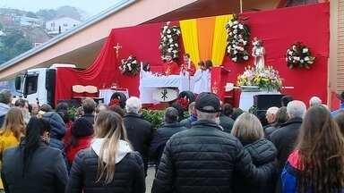 Procissão de São Cristóvão marca fim de semana de fé e devoção em Erechim - Motoristas se reúnem há mais de 45 anos para comemorar a data e pedir bênçãos.