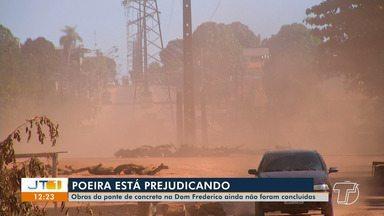 Moradores das proximidades da ponte do Jutaí reclamam de poeira no local - Obras da ponte de concreto ainda não foram concluídas. Segundo a Prefeitura de Santarém, um carro pipa irá até o local para amenizar o caso.