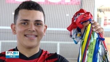 Revelação no parabadminton disputa competições internacionais - Rogério Júnior está entre os melhores do mundo