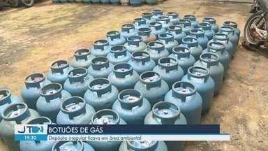 Depósito ilegal de produtos inflamáveis é descoberto em Iguape, SP - Depósito irregular ficava em área ambiental. Um homem, de 57 anos, foi preso em flagrante.