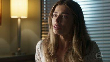 Paloma se desespera ao ser notificada que tem um grave problema de saúde - Paloma fica completamente desnorteada após a notícia