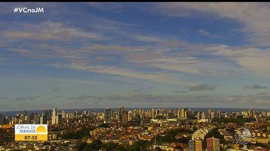 Previsão do tempo: Salvador pode ter chuva fraca nesta quarta-feira - Confira também as fotos do quadro Amanhecer e a tábua de marés, além das informações meteorológicas para outras cidades baianas.