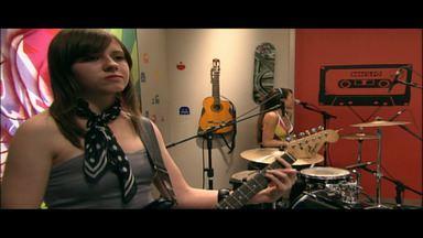 Parallèles e Sabonetes - Aumenta o som e confira um dos maiores destaques da cena rock de Curitiba, a banda Sabonetes. E uma banda formada só por mulheres, a Parallèles.