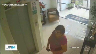 Mulher que se passa por diarista é suspeita de roubar clientes em Goiânia, diz delegado - Imagens de câmeras de segurança mostram mulher em mais de um local, onde teriam acontecido os crime.