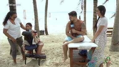 Niara Meireles e Daniel Viana relaxam com massagem após o Fortal - Apresentadores curtem o momento relaxante