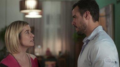 Lígia e Joaquim conversam sobre o pai biológico de Nina - A médica cogita que Rita tenha sofrido violência sexual e se preocupa