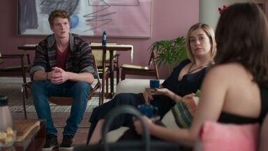 Lígia confirma que Lara lhe contou sobre a armação de Martinha - A médica diz ao filho que decidiu retirar a ordem de restrição judicial contra Rita apesar de Lara ser contra
