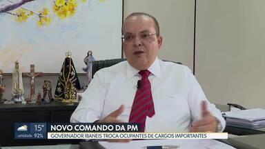 Governador Ibaneis Rocha exonera comandante da PM - Sheyla Sampaio também foi pega de surpresa. Ibaneis também exonerou o chefe da Casa Militar, Marcus Paulo Koboldt.