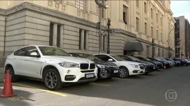 Deputados do RJ gastam R$ 212 mil com carros em dois meses - Gastos são referentes a 31 parlamentares, entre aluguel, combustível, pedágios e estacionamentos.
