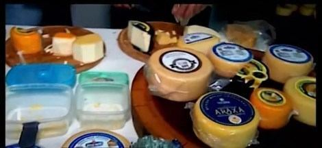 Mais de mil tipos de queijos serão avaliados no Concurso Mundial realizado em Araxá - Evento é o primeiro da América Latina. Além da competição, a Feira Gastronômica movimenta o Parque do Barreiro. Produtos passarão por uma avaliação criteriosa: são verificados sabor, textura e maturação.