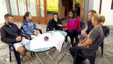 Glória Maria visita família que vive isolada nas montanhas da Albânia - Quem vive na região do parque de Llogara tem um ritmo diferente, não sabe o que é pressa. Nossa repórter conheceu um pouco da rotina e provou um prato tradicional da culinária.