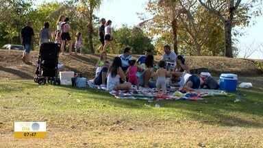 Famílias celebram o Dia dos Pais em pontos turísticos de Prudente - Balneário e parques foram alguns dos locais escolhidos.