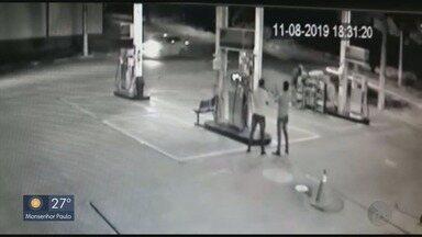 Câmeras de segurança flagram assalto em posto de combustíveis em Passos - Câmeras de segurança flagram assalto em posto de combustíveis em Passos