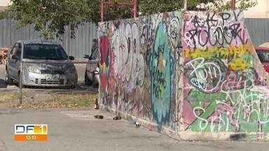 Moradores de Águas Claras estão assustados com cenas de violência - É tráfico de drogas em praças da cidade e tiros no meio da rua.