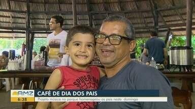 Projeto 'Música no Parque' homenageia pais neste domingo, em Manaus - Pais ainda participaram de um café da manhã especial.