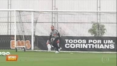 Walter treina e deve ser titular contra o Botafogo - Walter treina e deve ser titular contra o Botafogo