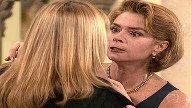 Laura e Meg brigam feio após notícia sobre a gravidez - Confira