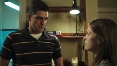 Anjinha teme pela segurança de Marco - Marco confessa à filha que vai se encontrar com Góes, que prometeu lhe contar tudo sobre o assassinato de Zé Carlos