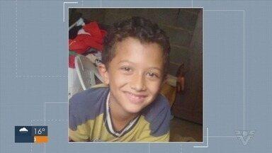 Polícia continua na procura por menino de 8 anos desaparecido em Registro, SP - Gabriel desapareceu no bairro Vila Ouro ao sair para empinar pipa.