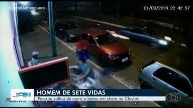 Homem de muleta é atingido por roda que se solta de carro em movimento, em Goiânia - Vítima, que já tinha um ferimento na perna, ficou machucada, foi levada para hospital e recebeu alta oito dias depois.
