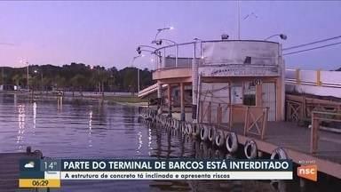 Parte da estrutura de terminal é interditada pela Defesa Civil em Florianópolis - Parte da estrutura de terminal é interditada pela Defesa Civil em Florianópolis