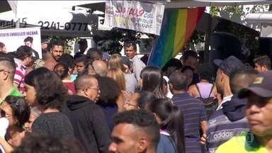 Mutirão de emprego atrai centenas de pessoas em São Paulo - Foram oferecidos vários serviços além de 550 vagas de trabalho.