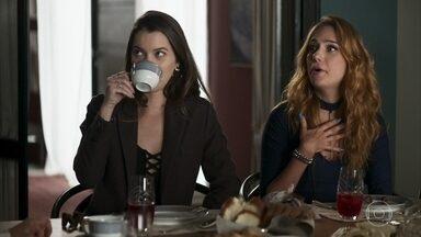 Otávio pergunta se foi Fabiana quem convidou Sabrina - Ela confirma e o empresário fica desesperado quando a amante se oferece para trabalhar com Vivi