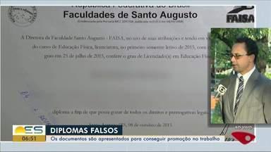 Diplomas falsos: mais de 4 mil documentos falsificados na mira da Sedu no ES - Sedu vai investigar mais de 4 mil diplomas falsos. Tem até policial miliar suspeito de apresentar o documento falso para se promover.
