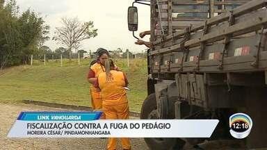 PRF faz operação contra evasão de pedágio na Dutra - Ação aconteceu no trecho de Moreira César.