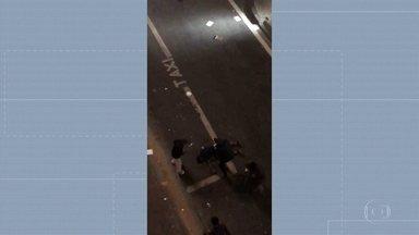 Testemunha disse que motorista atropelou três pessoas de propósito e fugiu - Elas estavam no centro da cidade quando foram atingidas pelo carro. Duas moram nas ruas