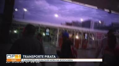 Transporte pirata corre solto na Rodoviária do Plano Piloto - O transporte clandestino na Rodoviária do Plano funciona abertamente, organizado, sem cerimônia.