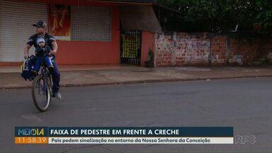 Pais pedem faixa de pedestres perto de creche, no Morumbi II - Moradores até pintaram uma faixa, mas já está apagada.