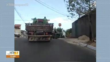 Vídeo mostra caminhões da Prefeitura de Paraíso fazendo transporte de pessoas - Vídeo mostra caminhões da Prefeitura de Paraíso fazendo transporte de pessoas