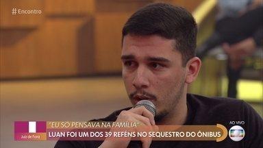 Luan foi um dos 39 reféns no sequestro do ônibus na Ponte Rio-Niterói - Ele conta que o sequestrador mandou uma das reféns amarrar todos os demais com lacres de plástico e pendurar as armadilhas com gasolina