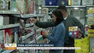 Lojas do shopping de Angra dos Reis vendem produtos com até 70% de desconto - Objetivo da liquidação é aumentar as vendas e agradar o consumidor.