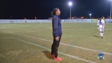 Ex-jogadora riopretense é convocada pela CBF como auxiliar da seleção feminina - Uma ex-jogadora riopretense foi convocada pela CBF como auxiliar no novo treinador da seleção feminina sub-20.