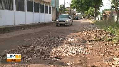 Moradores estão indignados com a falta de infraestrutura em bairro de São Luís - Ruas do Cohatrac estão praticamente intrafegáveis.