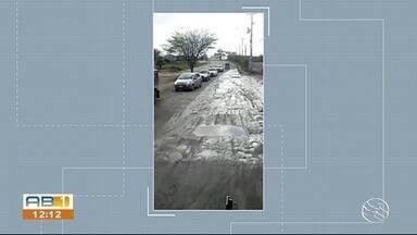 Secretaria de Obras faz novo paliativo para tapar buracos em avenida de de Caruaru - Solução definitiva só poderá ser feita após o período chuvoso.