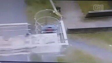 Homem é preso após furtar fios na Rodovia Padre Manoel da Nóbrega - Câmeras de segurança flagraram a ação.