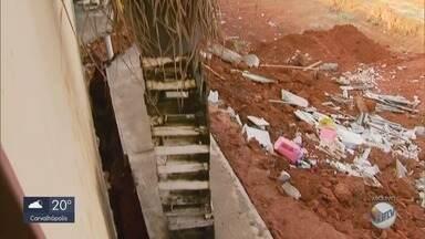 Prefeitura embarga obra próxima a casa que desabou em Pouso Alegre, MG - Prefeitura embarga obra próxima a casa que desabou em Pouso Alegre, MG