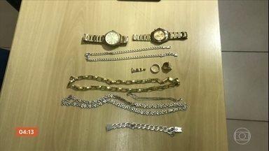 Polícia de MG prende parte de quadrilha especializada no roubo de relógios de luxo - Polícia de MG prende parte de quadrilha especializada no roubo de relógios de luxo.