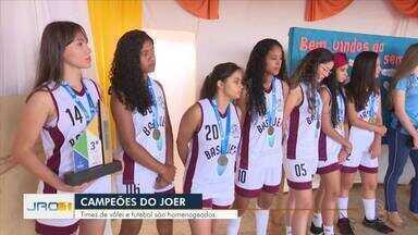 Destaques Esportivos no JRO1 - Karina Quadros conta os destaques do programa de hoje.
