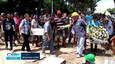 Enterrado corpo de Maria Esther, a menina morta pela mãe e padrasto - Confira mais notícias em g1.globo.com/ce