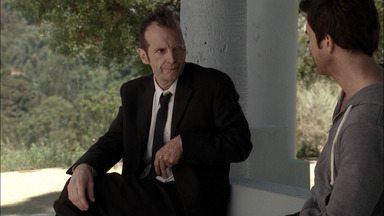 Piloto - O terapeuta Ben Harmon, sua esposa Vivien e sua filha Violet se mudam para Los Angeles para escapar de seu passado conturbado.