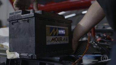 Como avaliar se carro precisa de bateria de maior amperagem - Veja como avaliar se o carro precisa de uma bateria de maior amperagem e os riscos de uma com amperagem inferior à demanda do modelo.