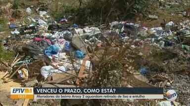Prazo para retirada de lixo no Aracy 2 em São Carlos encerra nesta 2ª feira - Prefeitura disse que já tinha mandado uma equipe limpar essa área, mas que a própria população está jogando lixo no local.